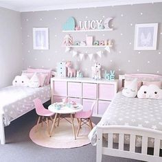 Beautiful! I need to do this for my girl's room