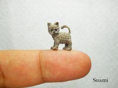 Micro miniatuur grijze kat Kitten - Mini kleine haak kat Amigurumi dieren Doll - Made to Order