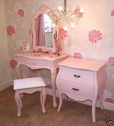 Vintage girls bedroom ideas pink furniture for adults best bedrooms on baby girl room . Vintage Bedroom Furniture, Girls Bedroom Furniture, Bedroom Vintage, Shabby Chic Furniture, Painted Furniture, Bedroom Decor, Bedroom Drawers, Vintage Room, Bedroom Ideas