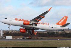 Easyjet A320 in strong crosswind