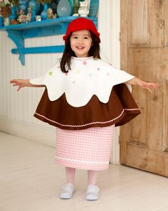 Cute and easy costumes to make with your children - Learning & play - MadeForMums Page 13 Kids Horse Costume, Horse Costumes, Navy Costume, Costume Dress, Your Girl, Your Child, Easy Costumes To Make, Cupcake Costume, Book Week Costume