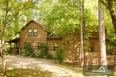Twin Creeks Rustic Lodge On the Creek... - HomeAway Gatlinburg
