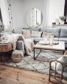 46 elegant cheap and easy first apartment decorating ideas 34 Living Room Decoration apartment living room decor Living Room Sofa, Home Living Room, Interior Design Living Room, Living Room Designs, Living Room Decor, Bedroom Decor, Decor Room, Living Room Apartment, City Apartment Decor