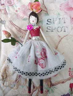 The Magpie and the Wardrobe - Beautiful fashion fripperies from vintage fabrics