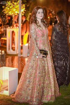 New Bridal Party Outfits Bouquets Ideas Asian Wedding Dress Pakistani, Pakistani Dress Design, Indian Wedding Outfits, Pakistani Dresses, Indian Dresses, Stylish Dresses, Simple Dresses, Beautiful Dresses, Fashion Dresses