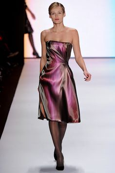 Carolina Herrera Fall 2011 Ready-to-Wear - Collection - Gallery - Style.com