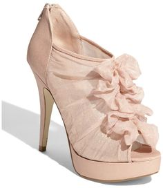Today's pair of Cute Shoes, courtesy of disasterrific, features Chinese Laundry Haylie Heels! The blush pink color is very pretty, and the chiffon ruffles give the shoes a soft, elegant look. Pretty Shoes, Beautiful Shoes, Cute Shoes, Me Too Shoes, Gorgeous Heels, Simply Beautiful, Shoe Boots, Shoes Heels, Pink Shoes