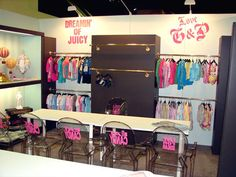 Juicy Baby trade show booth designed by Manny Stone Decorators