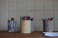Porta lápis feito com lata de leite. Mugs, Tableware, Home, Pencil Holders, Safari Party, Milk, Creativity, Tin Cans, Dinnerware