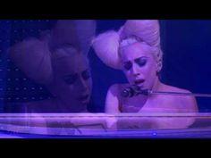 Por lo general no me gusta mucho esta mujer, pero esta canción merece una excepción.  Lady Gaga - Speechless