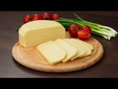 Homemade cheese - very easy to prepare and without added ingredients Domácí sýr – velmi snadný na přípravu a je bez přidaných látek a konzervantů! Homemade cheese – very easy to prepare and without added ingredients or canned … - Queijo Cottage, Lactation Recipes, Homemade Cheese, Cooking Recipes, Healthy Recipes, Feta, Peanut Butter, Food And Drink, Meals