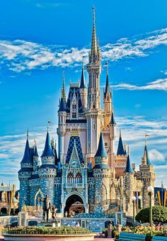 Cinderella Castle in Magic Kingdom, Walt Disney World Disney Parks, Walt Disney World, Mundo Walt Disney, Disney Pixar, Disney World Castle, Disney World Quotes, Walt Disney Castle, Disney Family Quotes, Disney Cinderella Castle