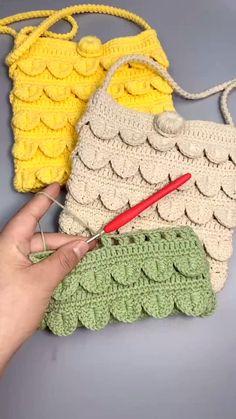 Crochet Bag Tutorials, Crochet Purse Patterns, Crochet Flower Tutorial, Crochet Basket Pattern, Crochet Videos, Knitting Patterns, Crochet Lace Edging, Crochet Leaves, Crochet Shawl