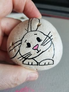 Bunny painted rock 🌠 easy easter drawings for kids fun Pebble Painting, Pebble Art, Stone Painting, Diy Painting, Bunny Painting, Painted Rock Cactus, Painted Rocks Craft, Hand Painted Rocks, Rock Painting Patterns