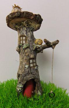 This, that and everything inbetween: Fairy and Miniature Gardens Fairy Crafts, Garden Crafts, Garden Projects, Garden Art, Fairy Tree Houses, Fairy Village, Fairy Garden Houses, Fairy Garden Doors, Mini Fairy Garden