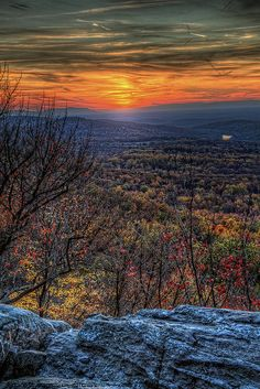 Sunset at Bears Den Overlook, Appalachian Trail, Bluemont, Virginia |  copyright Tom Lussier Photography