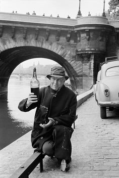 """Maurice CHEVALIER"" Paris 1954  ""6th arrondissement. In front of the Pont-Neuf"""