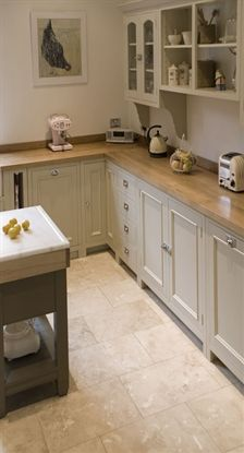 Small, but perfectly formed kitchen - kitstone.co.uk