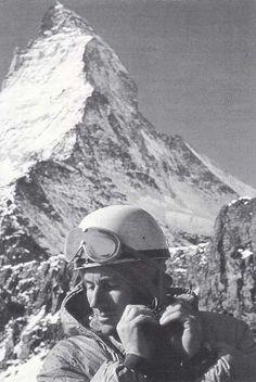 Monte Cervino - Il 22 febbraio 1965 Walter Bonatti conclude vittorioso una delle più grandi imprese alpinistiche: la prima salita della parete nord del Cervino in solitaria. La sua salita vanta tutt'oggi poche ripetizioni (5) per via dell'enorme difficoltà tecnica. Per completare la salita Bonatti impiegò 5 giorni (partì il 18 febbraio) con 4 bivacchi in uno dei luoghi più inospitali della terra.