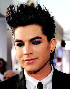 Adam Lambert showing off his eyeliner and dark eye makeup at an award show! Egyptian Eye Makeup, Black Eye Makeup, Male Makeup, Makeup For Men, Adam Lambert, Corrective Makeup, Makeup Techniques, Modern Man, Androgynous