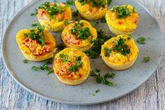 Æggemuffins med ost og skinke Snacks, Fruit, Desserts, Nye, Pizza, Food, Tailgate Desserts, Appetizers, Deserts