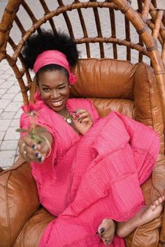 India Arie pretty in pink Beautiful Black Women, Beautiful People, Hair Afro, India Arie, San Gabriel, Neo Soul, I Love Music, Beautiful Moments, Beautiful Hearts