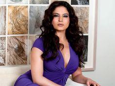 Veena Malik gets a new admirer in Raja Choudhary!