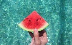 A görögdinnye 4 csodálatos hatása: ezért megéri fogyasztani! Puerto Rico, Ripe Pineapple, Beautiful Fruits, Summer Of Love, Healthy Drinks, Farmers Market, Fresh Fruit, Watermelon, Vitamins