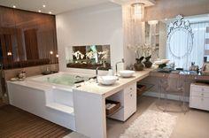 25 Banheiros com bancadas de maquiagem - veja modelos lindos e modernos! - Decor Salteado - Blog de Decoração e Arquitetura