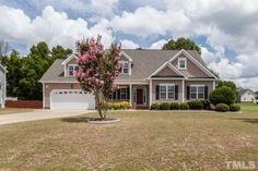 Custom home with main flr living in Hannahs Creek Subd! Onsite fin HWDS. Kitchen w/ granite cntrs, 42
