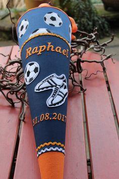 """Schultüten - Schultüte """"Fussball 2"""" blau-orange, aus Stoff - ein Designerstück von Lantana-Design bei DaWanda"""