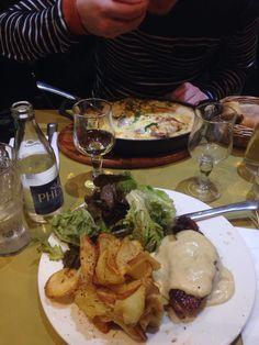 Love me some duck. #parisianbistrot #food #restaurant #paris