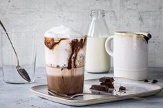 Marmorierter Kaffee - Rezepte | fooby.ch Chocolate Espresso, Chocolate Cream, Espresso Coffee, Almond Cream, Almond Butter, Cooking With Kids, Cooking Time, Food Trends, Yummy Food