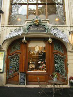 Salon de thè window, Paris