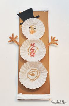 DIY Coffee Filter Snowman - A fun Craft for kids Daycare Crafts, Classroom Crafts, Toddler Crafts, Preschool Christmas, Christmas Activities, Kids Christmas, Preschool Winter, Christmas Coffee, Winter Activities