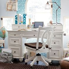 contemporary teen workspace ideas to fit in perfectly with modern interiors ----- Exquisite teen girls home office space in gentle shades