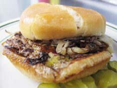 A nicely done paean to one of the Detroit area's singular pleasures -- the slider.
