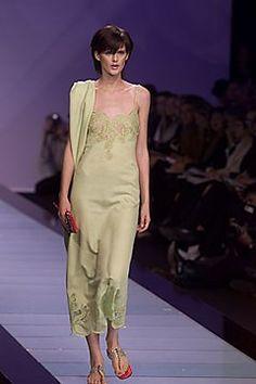 Valentino Spring 2000 Ready-to-Wear Fashion Show - Stella Tennant, Valentino Garavani