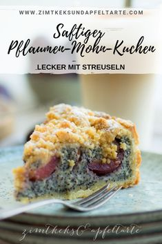 Pflaumen-Mohn-Kuchen mit Streuseln Super juicy and delicious: plum and poppy seed cake with sprinkles. Tastes really nice and the recipe for this great cake is easy to bake yourself. Sure and with fresh plums or plums an absolute pleasure. Chocolate Christmas Cookies, White Chocolate Cookies, Christmas Desserts, Poppy Seed Cake, Cranberry Bread, Plum Cake, Yummy Cakes, Cake Recipes, Food Porn