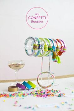 Diy confetti - Jewelry Making Ideas DIY Bracelets For Classy Ladies – Diy confetti Cute Diy Projects, Fun Crafts, Diy And Crafts, Crafts For Kids, Burlap Crafts, Burlap Projects, Confetti Bars, Diy Confetti, Glitter Crafts