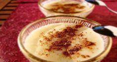 Κοινοποιήστε στο Facebook Το ρυζόγαλο είναι θρεπτικό και πολύ εύκολο στο να το φτιάξετε στο σπίτι. Εμείς σας παρουσιάζουμε μία συνταγή της γιαγιάς που θα σας ξετρελάνει. Κλασική κι αγαπημένη συνταγή μικρών και μεγάλων.  Υλικά 1 φλιτζανάκι του καφέ... Greek Sweets, Greek Desserts, Cold Desserts, Summer Desserts, Greek Recipes, Desert Recipes, Spanish Recipes, Sweets Recipes, Appetizer Recipes