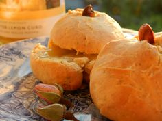 Traditional English Scones with Rosewater & White Tea Tea Benefits, Health Benefits, English Scones, Peppermint Tea, Tea Cakes, Rose Water, Weight Gain, Bread, Traditional