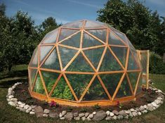 Done can be so pretty.... Avocado tree inside perhaps? Geodesic Dome Greenhouse, Geodesic Dome Homes, Diy Greenhouse, Veg Garden, Indoor Garden, Home And Garden, Yurt Home, Adobe House, Small Buildings