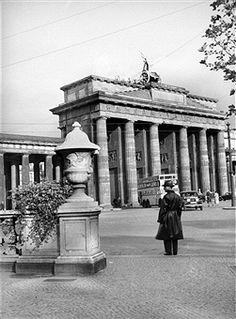 Brandenburger Tor und Hindenburgplatz Berlin 1935
