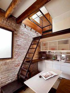 Фото маленькой кухни в стиле лофт в Tiny home.