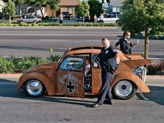 Jesse James' Monster Garage Turbo VW Drag Bug Rat - getting a little too much attention from the local PD after a little test pass down the street