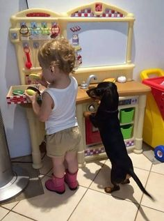 Pets and children. Photos of kids hanging with their best friends. Adorable pets and kids. Who was your best friend as a child. Dachshund Breed, Dachshund Funny, Dachshund Love, Daschund, Black Dachshund, Dogs And Kids, Animals For Kids, I Love Dogs, Puppy Love