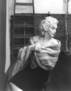 Marilyn Monroe by Hal Berg, 1954.