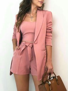𝓟𝓲𝓷𝓽𝓮𝓻𝓮𝓼𝓽: kayliisis ✨ looks femininos, roupas da moda, roupas top, roupas chique Blazer And Shorts, Blazer Outfits, Crop Top And Shorts, Lace Shorts, Classy Outfits, Chic Outfits, Pink Outfits, Trend Fashion, Womens Fashion