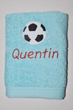 serviette de toilette bleu turquoise ballon de foot personnalisée brodée : Textiles et tapis par lbm-creation